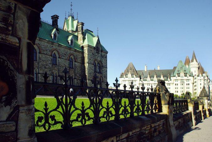 parlament-bldgs-ottawa